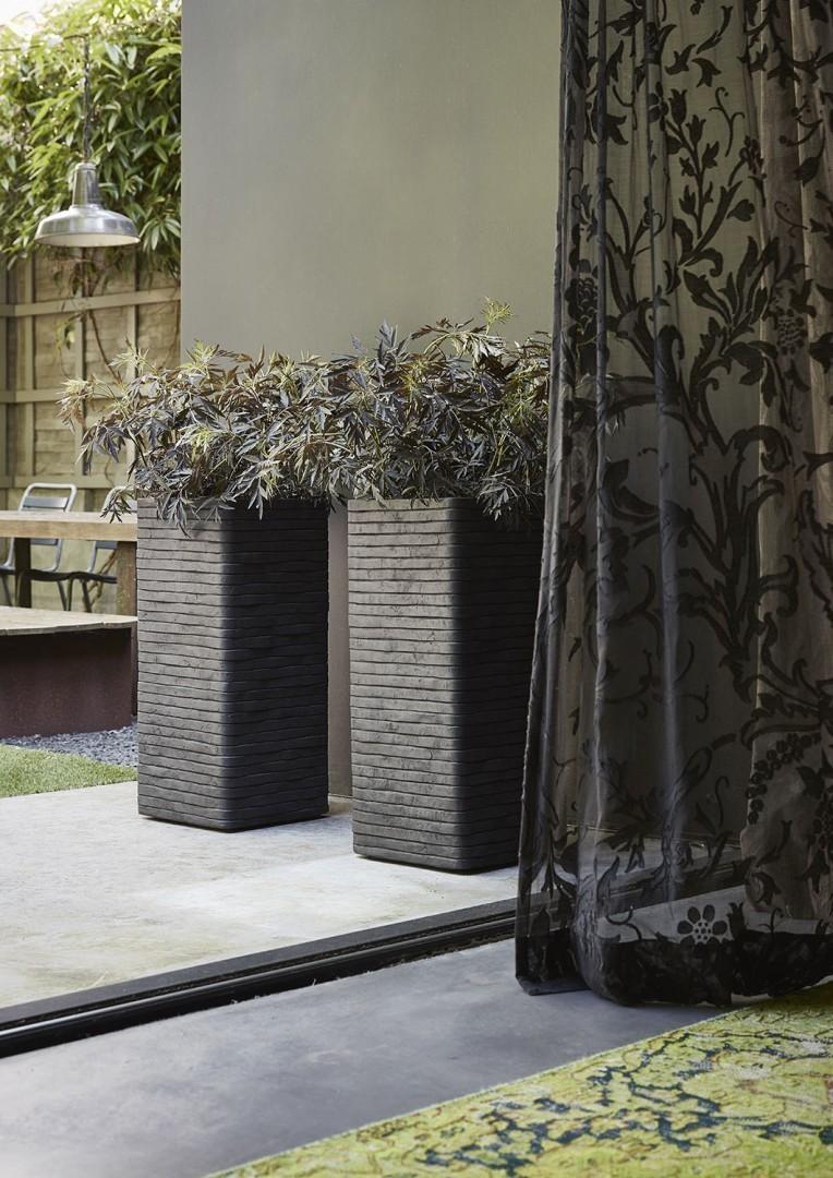 Ваза садовая из цемента Capi RWI951 57 см